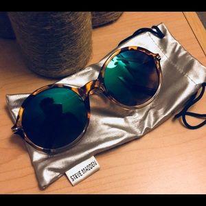 Steve Madden Sunglasses ☀️🌈